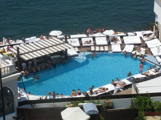 <strong>LA PLAGE BEIRUT</strong><br>Price on Request